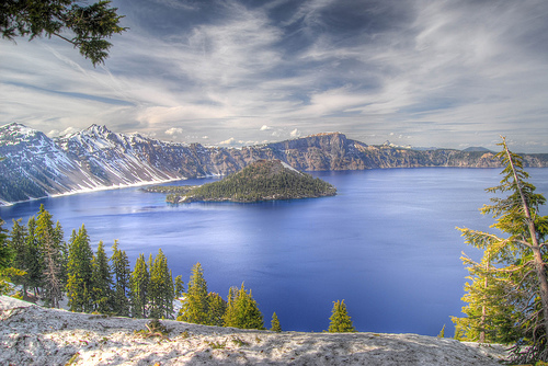 crater lake photo