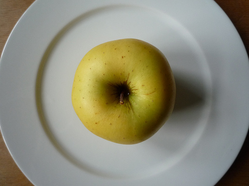 Golden Delicious apple photo