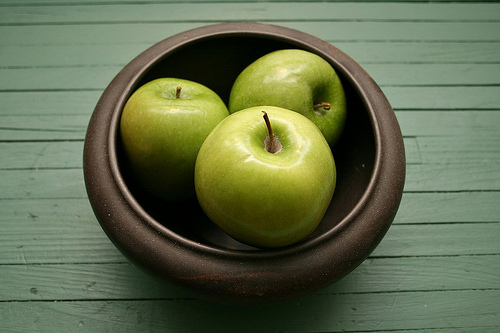 granny smith apple photo