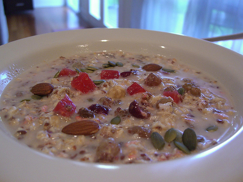 oatmeal with fruit photo