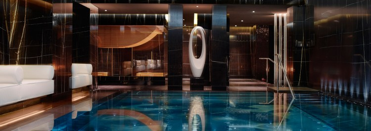 1600x565__0003_the pool espa life at corinthia