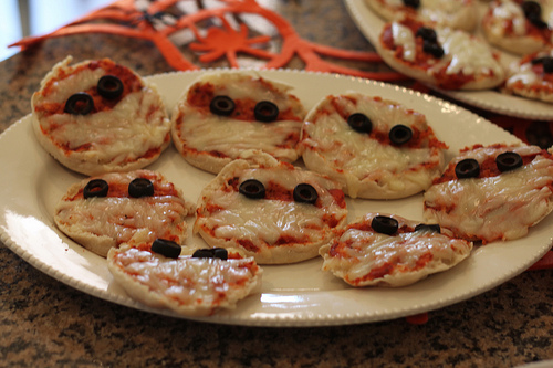 halloween pizza photo