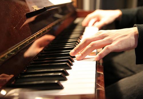 play piano photo