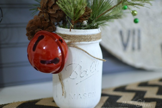 40 Ways To Decorate For The Holidays With Mason Jars Simplemost Interesting Decorate Mason Jars For Christmas