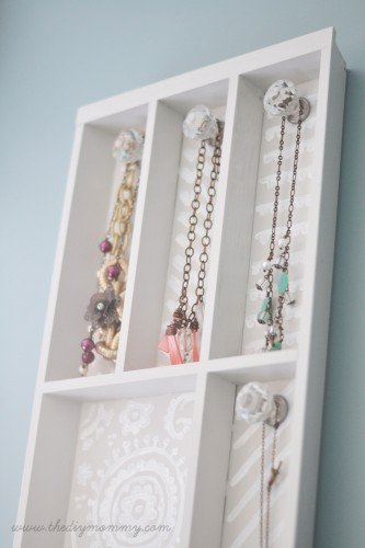 DIY-Jewelry-Holder-from-Cutlery-Tray-by-The-DIY-Mommy-1
