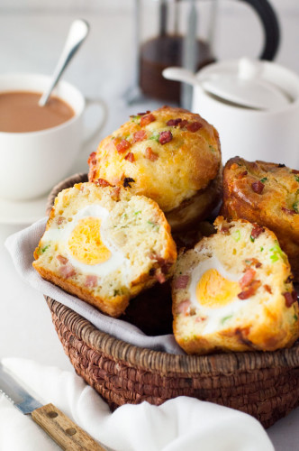 Bacon-and-Egg-Breakfast-Muffin-1