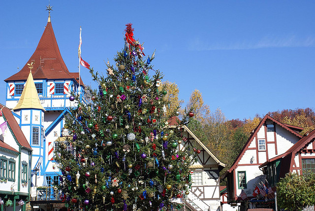 15 Of The Best Christmas Towns In America - Simplemost