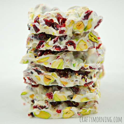 christmas-bark-recipe-craberries-pistachios
