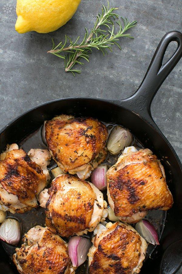 skillet-lemon-rosemary-chicken-vertical-600-b