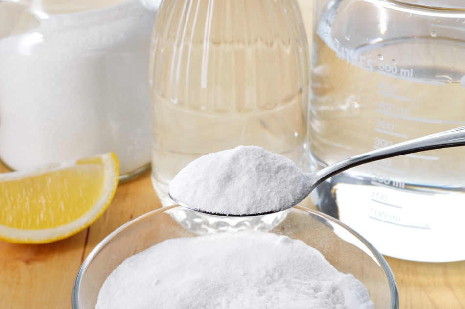 Natural cleaners vinegar baking soda salt and lemon