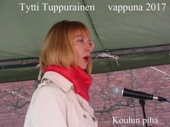 TyttiTuppurainenKoulunpiha2070501.jpg