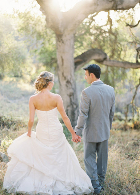 outdoor chic newlywed walk