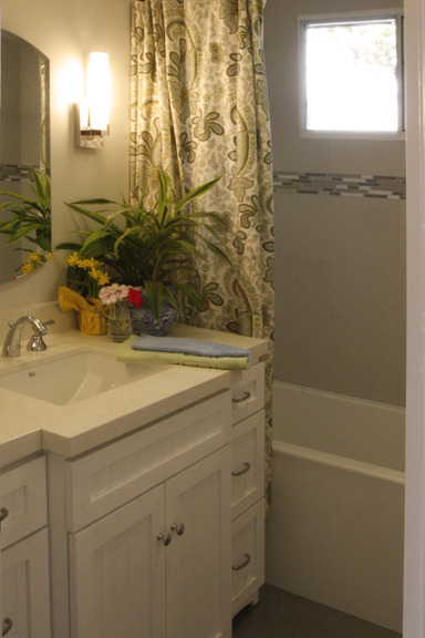 Seaview Cottage Bathroom Two