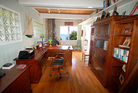 Captain's Cottage Office