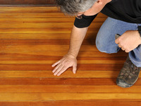 Laminate Floor Cleaning Tips - Hide Those Embarrassing Scratches