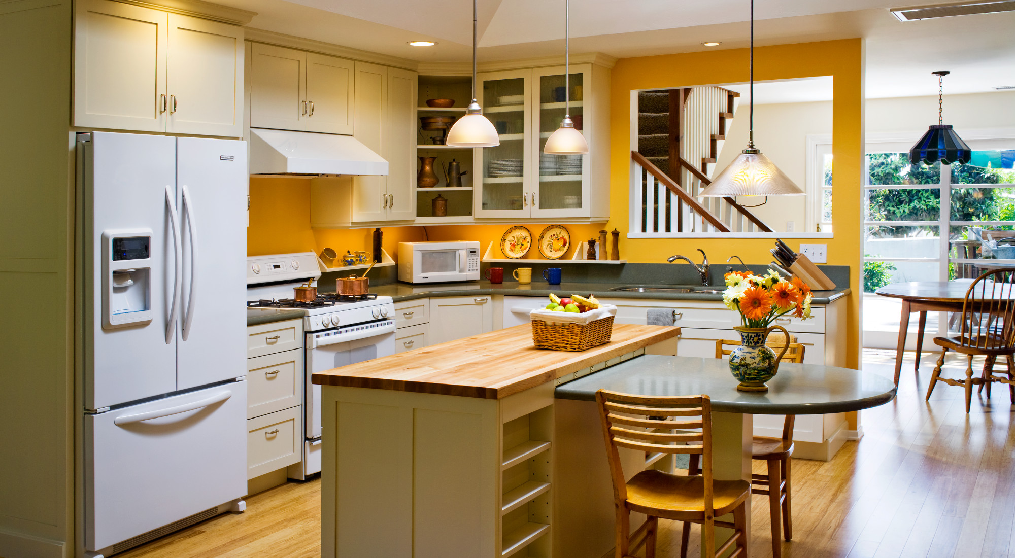 Home-11 Hahka White Kitchens