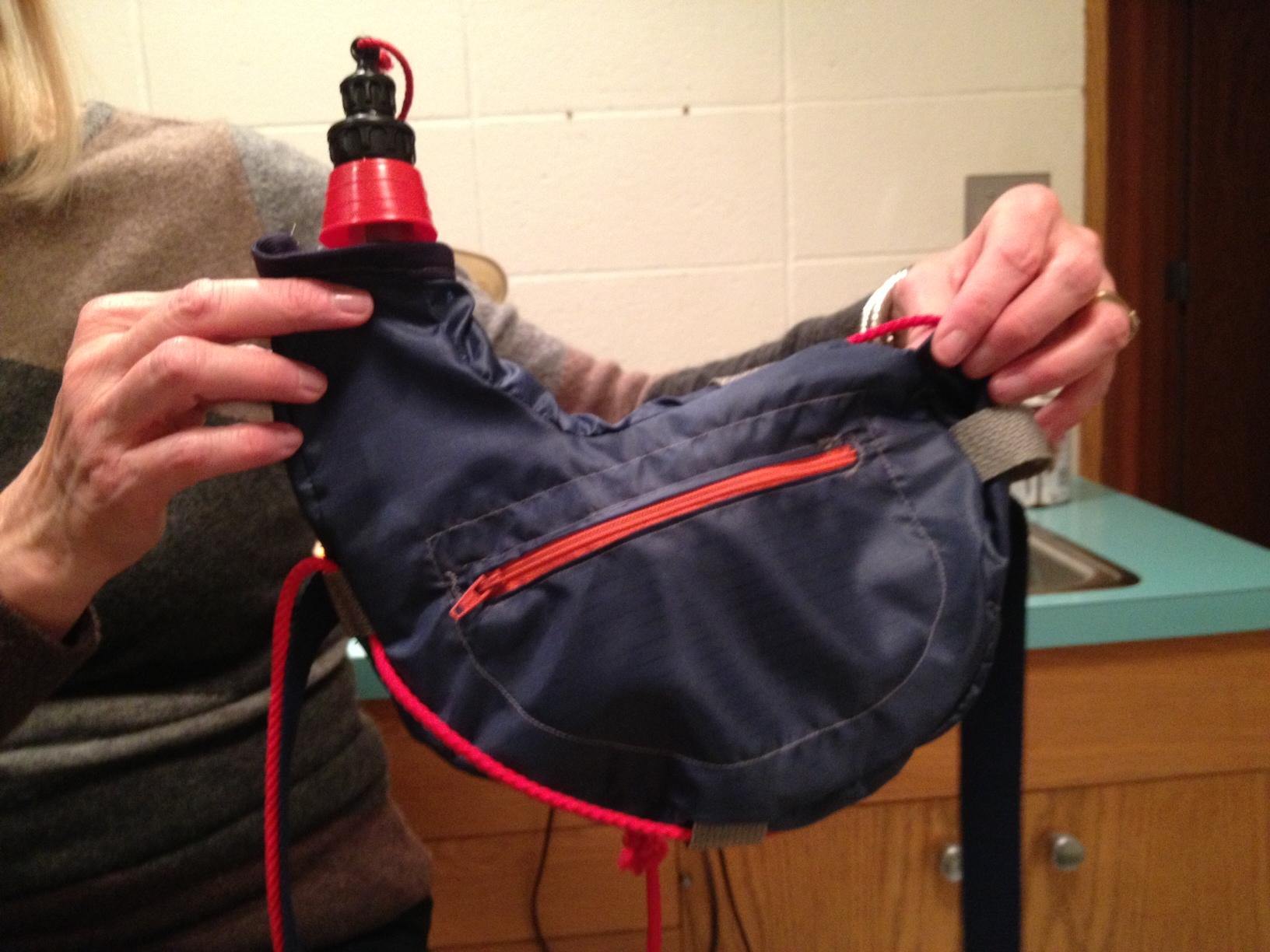 Zahota: the modern bota bag. - image 4 - student project