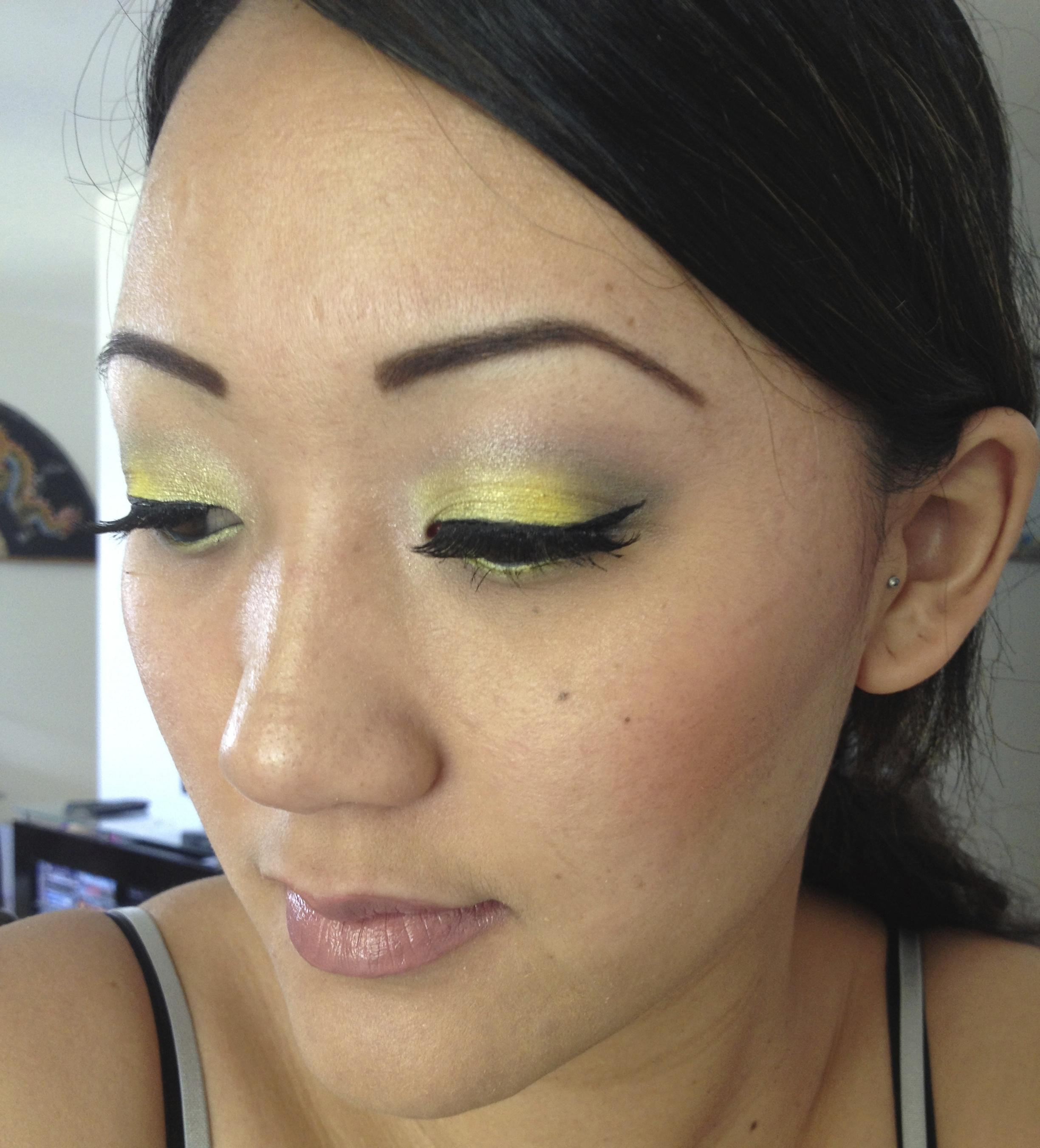 Lagoon Sparkle & Mellow Yellow - image 2 - student project