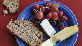 Mel Chesneau - Getaway Cheese platter & Seasonal fruits