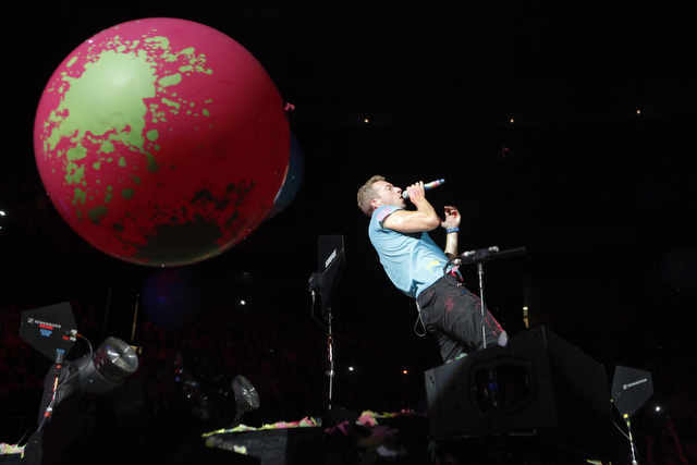 Coldplay world tour - image 2 - student project