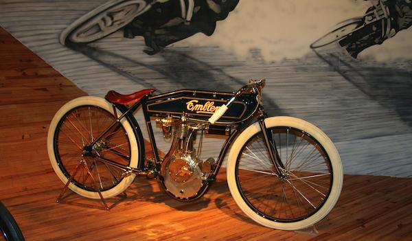 Vintage Motorcycles - image 2 - student project
