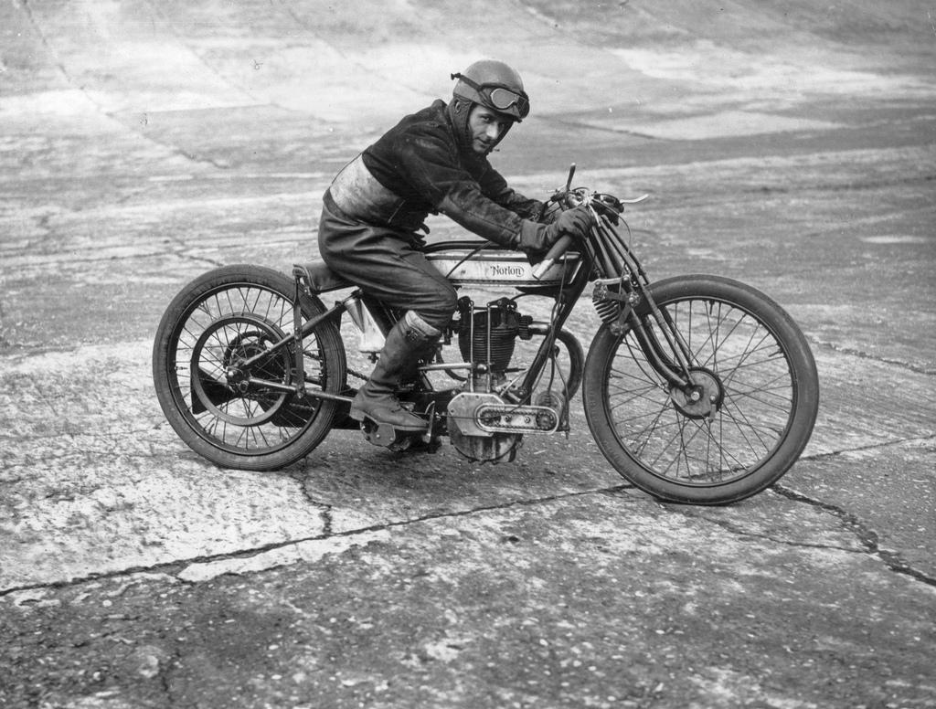 Vintage Motorcycles - image 7 - student project
