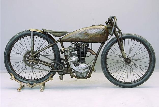 Vintage Motorcycles - image 6 - student project