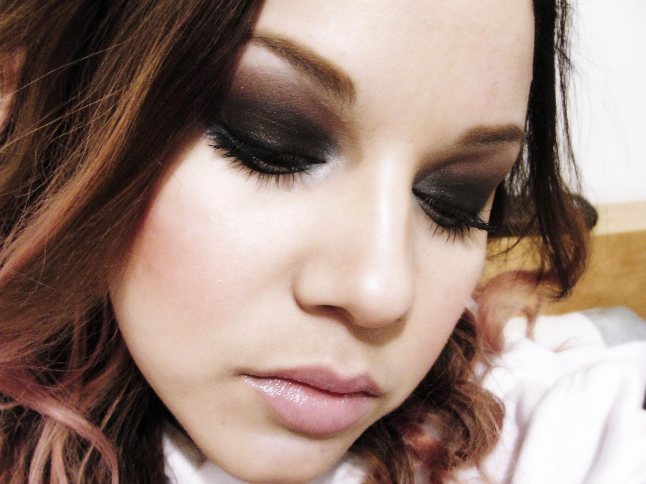 SUBTLY DAYTIME AND SULTRY NIGHTTIME EYE MAKE UP - image 7 - student project