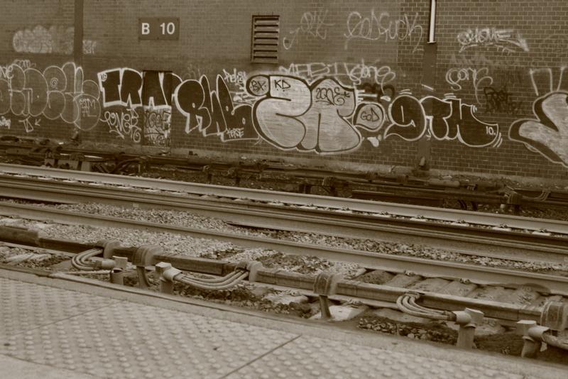 Week 1-3:  Rail scape (week 1) ;  Portraits & Random (week 2) ;  Happy people (week 3) - image 18 - student project
