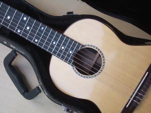 custom ukulele, style A