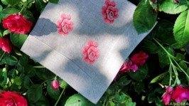 Скатертина з серветками «Червоні троянди»