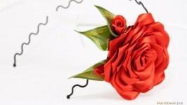Ободок для волос с красной розой
