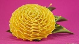 Брошь с желтой фантазийной розой