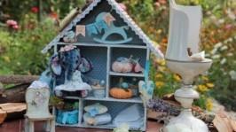 Кукольный дом с жительницей