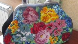 Дамская сумочка из натур. замши с вставкой из чешского бисера