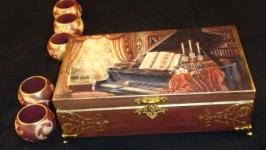 Двенадцать колец для салфеток в шкатулке Галантный век