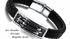 Мужской кожаный браслет с стальной фурнитурой.