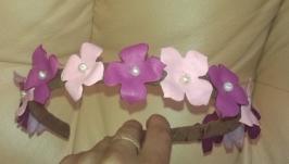 Нежный кожаный ободок для волос с цветочками