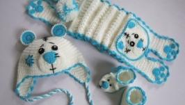 Комплект Северный мишка. Шапка, шарф, пинетки.