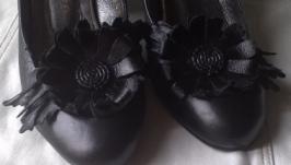 Украшение для обуви из кожи