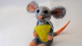 Мишка з сиром