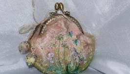 Валяный кошелек на фермуаре с вышивкой  ′ Разнотравье ′