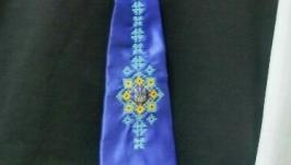 Вышитый галстук