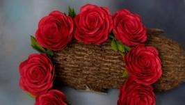 ободок из красных роз