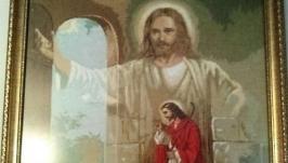 Вишита хрестиком картина ′Ісус стукає в твої двері′