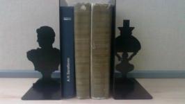 Книгодержатель для книг Бюст и лампа