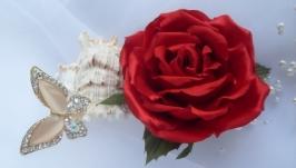 Брошь -цветок. Эмблема любви.