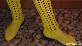 Ярко-желтый комплект: вязаные сапоги и сумка