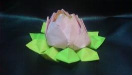 Квітка лотос з паперу