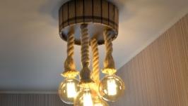 Деревянная люстра в виде бочки с джутовыми канатами и лампами Эдисона